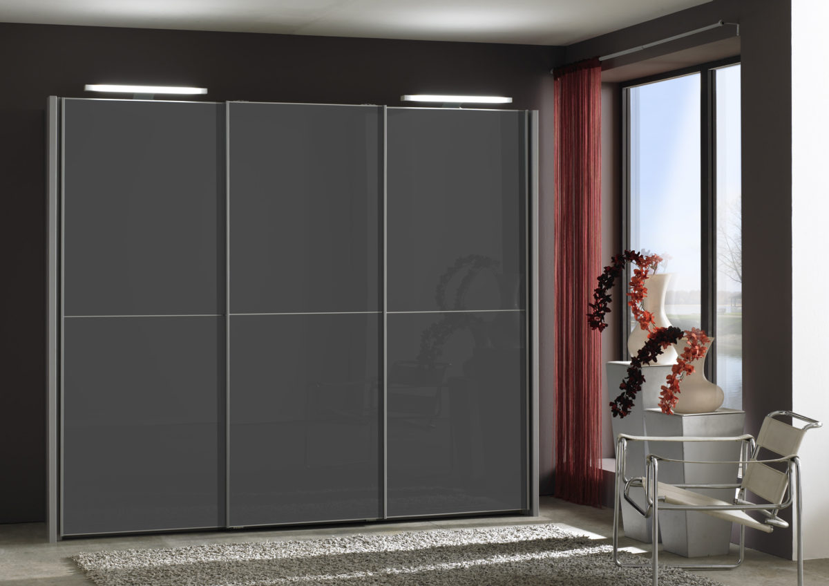 MIAMI bear1863 08 silber 3 Tueren Glas graphit 1200x848 - Dulap Miami  (Wiemann)