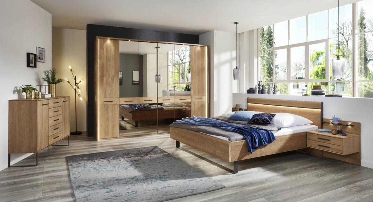 TURIN 184 19 EICHE TM DTS 300CM 4 Spiegel Bett 180x200 mit Holz KT u. Kufe Naka 2SK schwebend 1200x650 - Dormitor Turin (Wiemann)