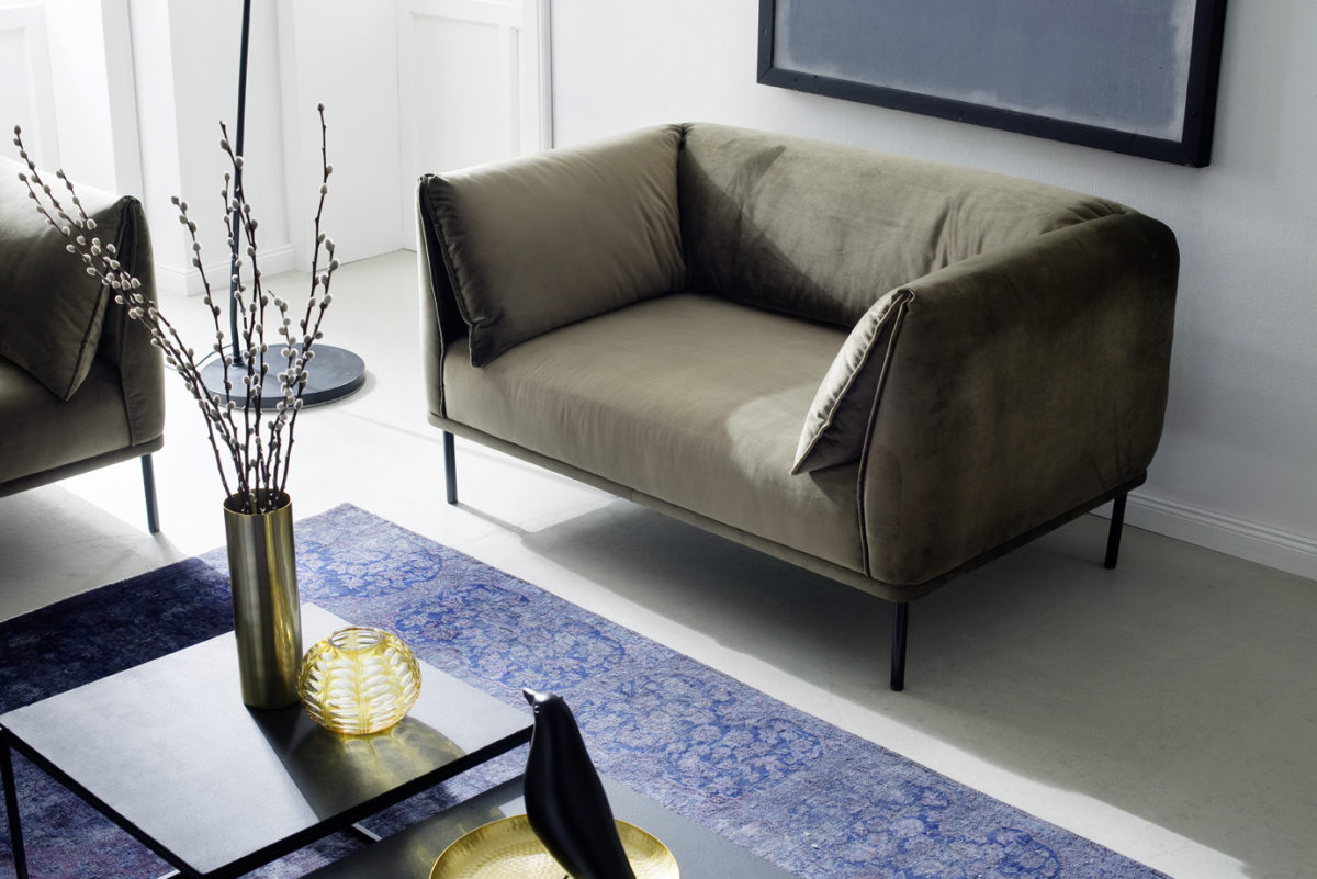 Melody Loveseat1 Velvet oliv 1200x801 - Canapea Melody 3C Candy Polstermoebel