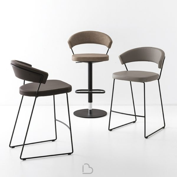 stool connubia calligaris new york cb1088 lh 600x600 - Scaun pentru bar New York (Connubia)