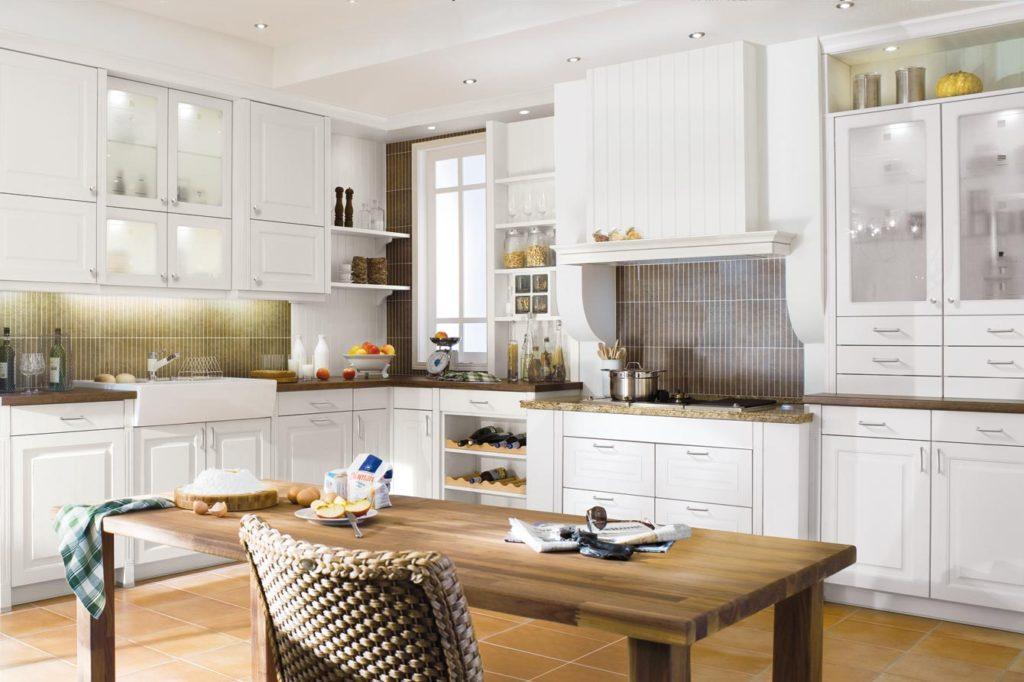 1340 1 1024x682 - Белая кухня – 7 идей дизайна и практические советы.