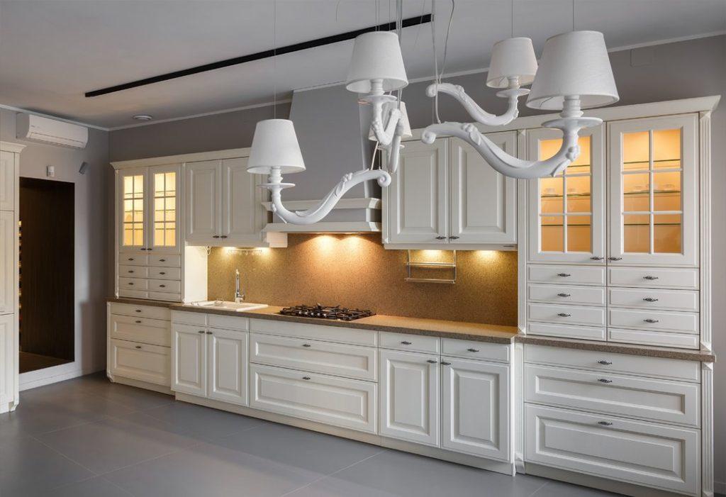 2 1024x701 - Белая кухня – 7 идей дизайна и практические советы.