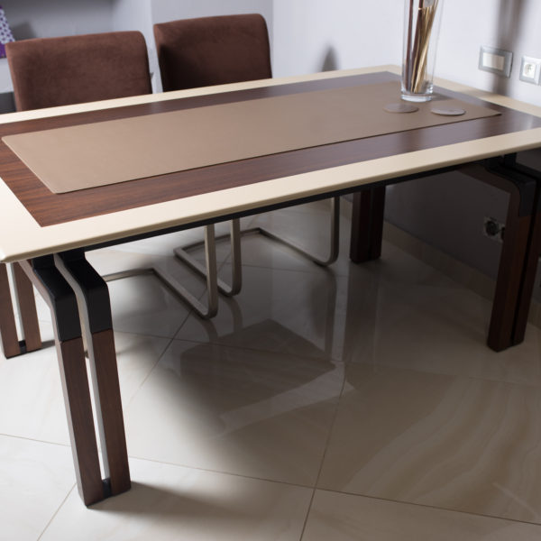 IMG 7424 600x600 - Masă de birou I4 Mariani (Italia)