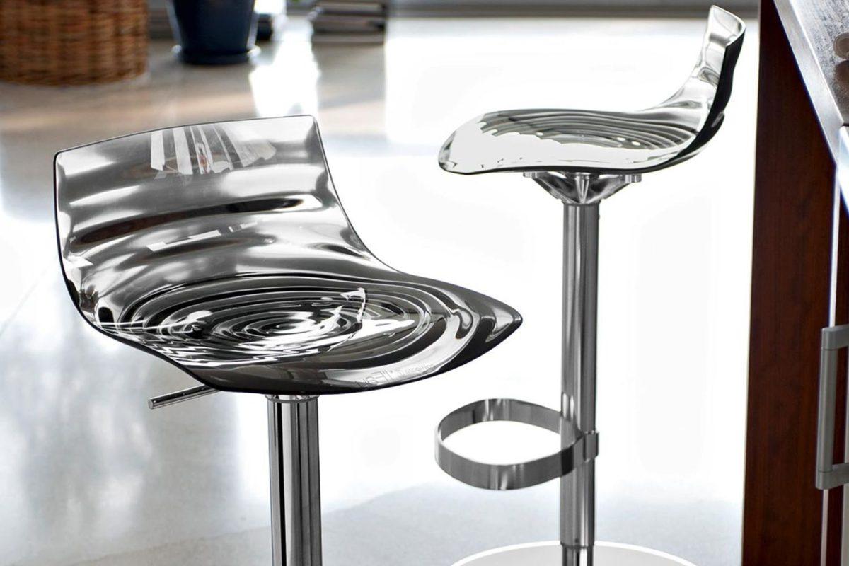 cb1288 l eau swivel and adjustable stools made of metal and san transparent smoke grey colour 1200x800 - Scaun pentru bar L'eau  CONNUBIA